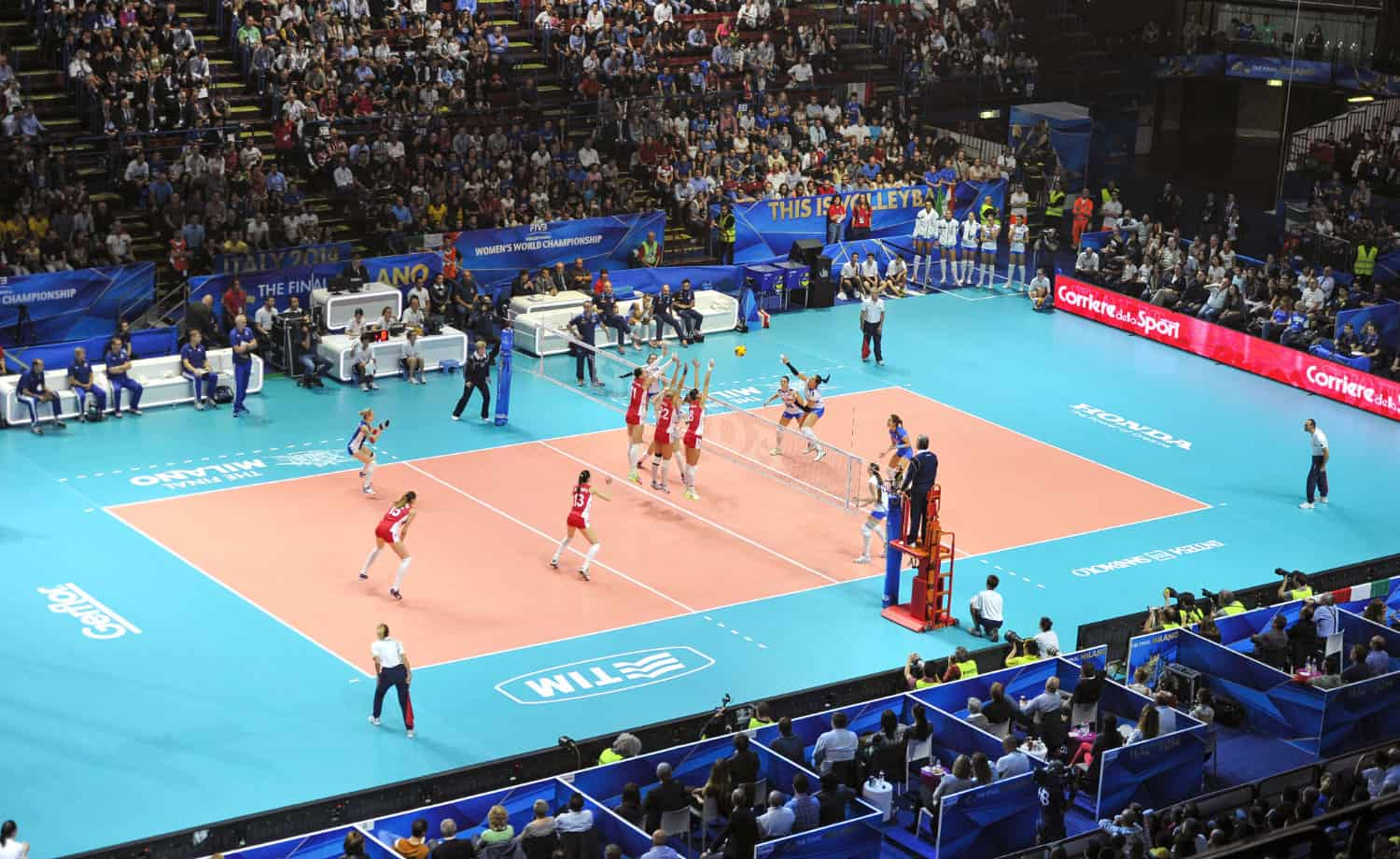 Womens volleyball match in progress | Bird's eye view